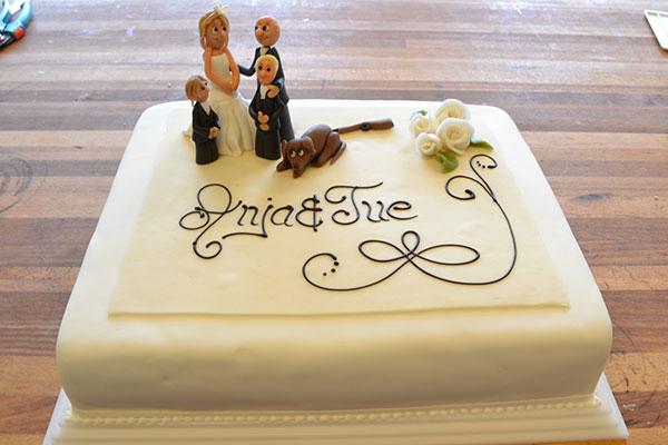 Bryllupskage-med-figurer