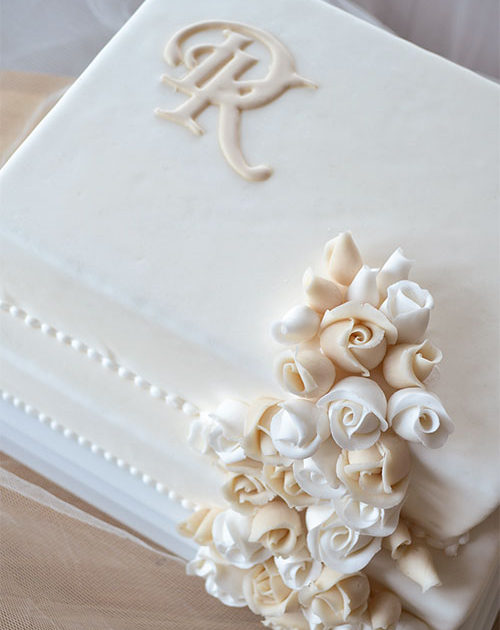 Bryllupskage-rose-vandfald