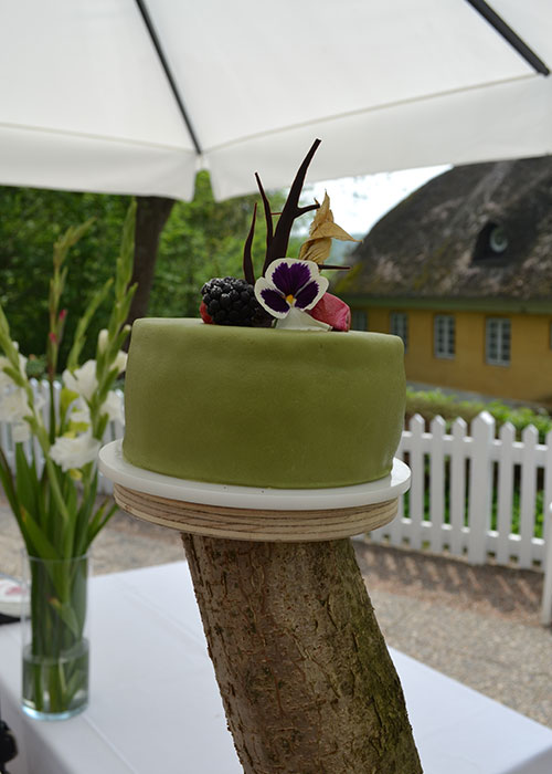Sommerkage-bryllup