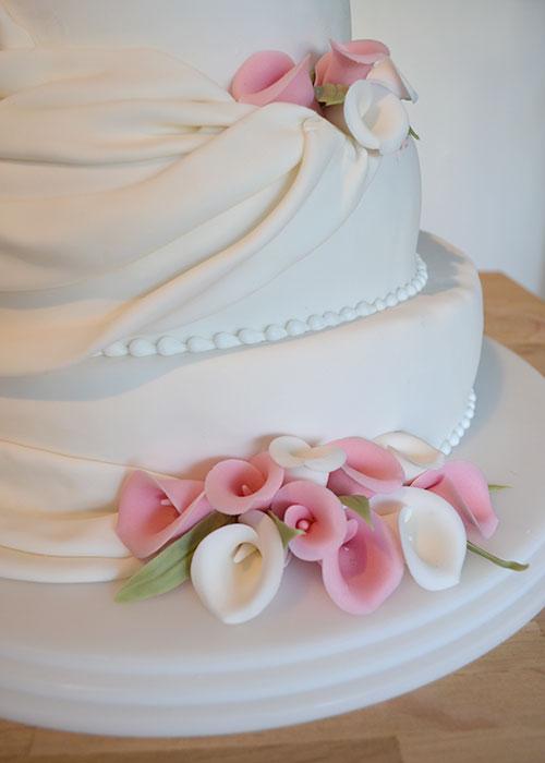 bryllupskage-romantik-deko.-lyserød