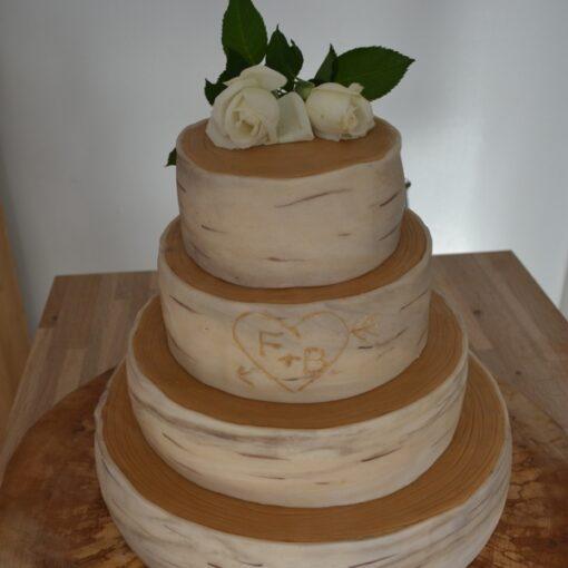Bryllupskage i træ tema