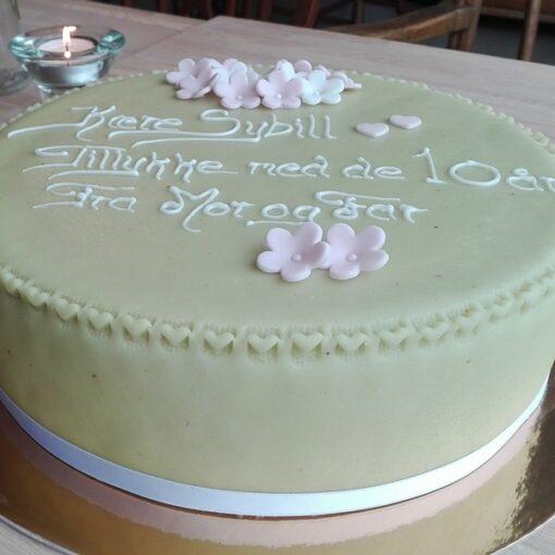 Fødselsdagskage i sart grøn