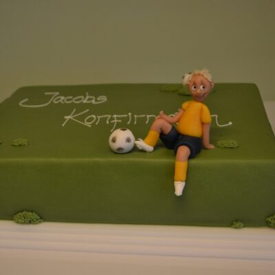 Kage med fodbold tema
